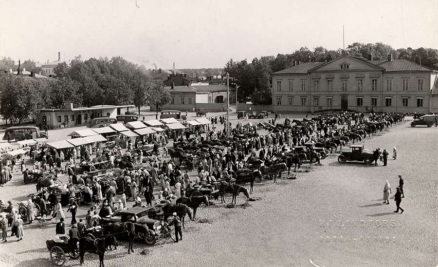 toripäivä-1930-l-valok-Hjalmar-Lindfors